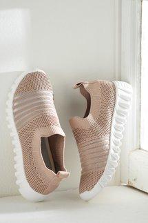 Wylie Sneakers
