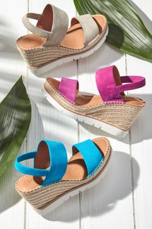 Gentle Souls Elyssa Wedges