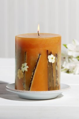 Rosy Rings Botanical Pillar Candle