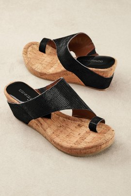 Donald Pliner Gyer Wedges