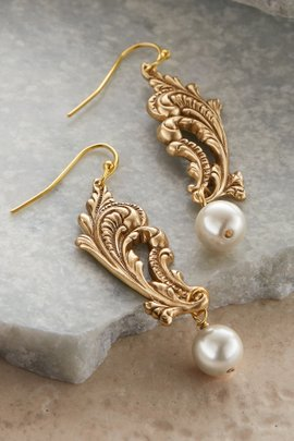 Della Flourish Earrings