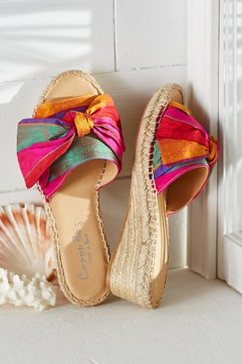 Rayas Wedges