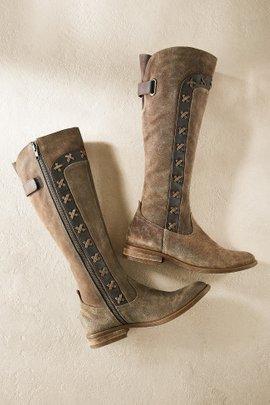 Born Margot Boots