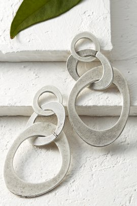 Selen Oval Dangle