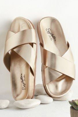 Merry Sandal
