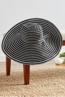 Packable Stripe Beach Hat