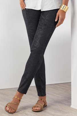 Ultra Soft Embossed Legging