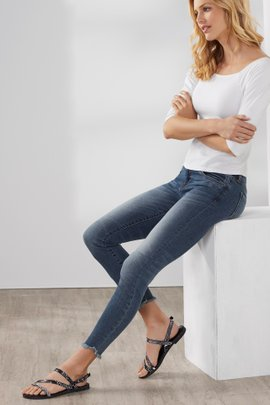 KUT Connie Ankle Frayed Hem Jeans