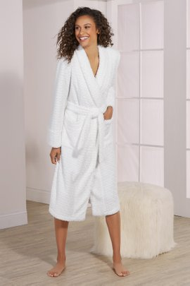 Lush Lattice Robe