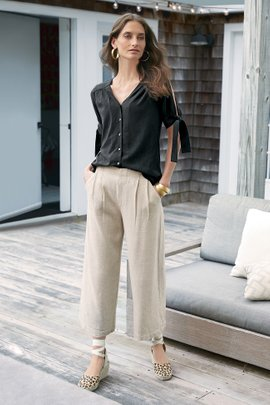 Carlota Crop Pleated Pants