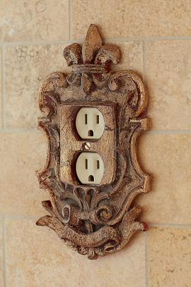 Fleuri Outlet Cover