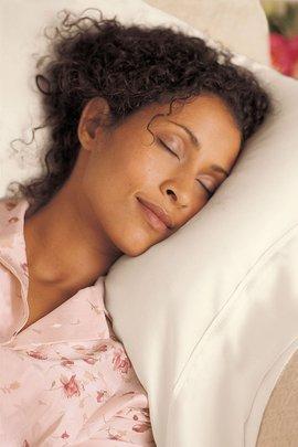 Wrinkle-Preventing Silk Pillowcase