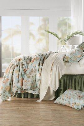 Amelie Velvet Floral Quilt
