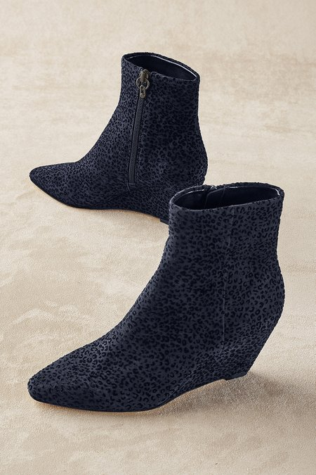 Donald Pliner Jae Wedge Booties