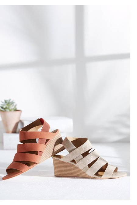 Ontariss Wedges