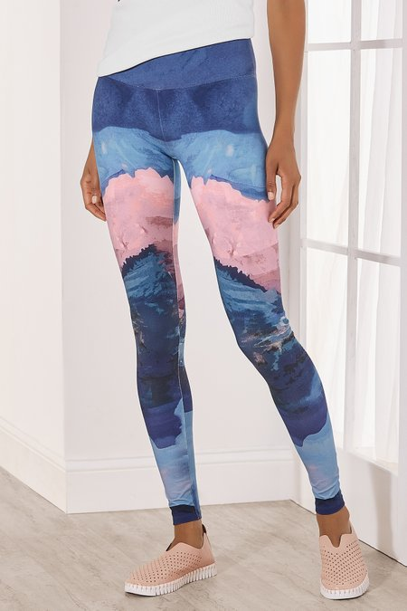Petites Must-Have Snowscape Printed Leggings