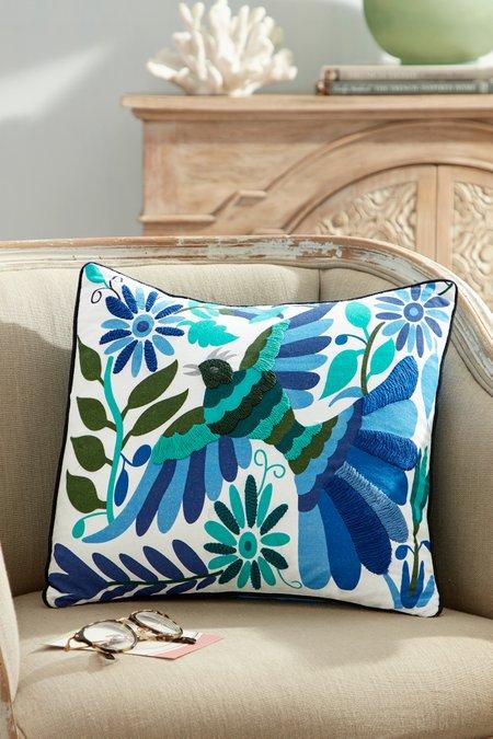 Pajaro Tropicale Decorative Pillow