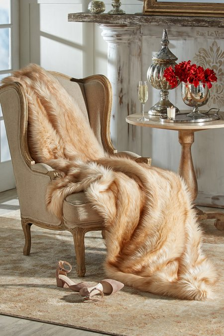 Luxe Faux Fur Throw I