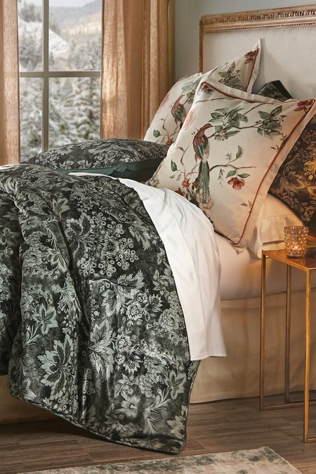 Luxurious Luster Comforter