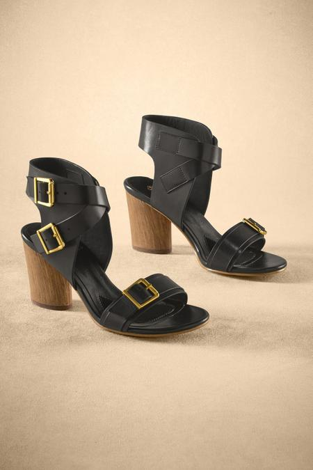 Lisinda Heels